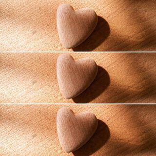 cuori-intagliati-a-mano-di-legno