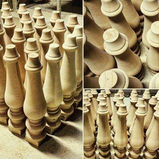 Gambe Di Legno Tornite Per Tavoli.Gambe Colonne Caposcala In Legno Scale E Tavoli Su Misura
